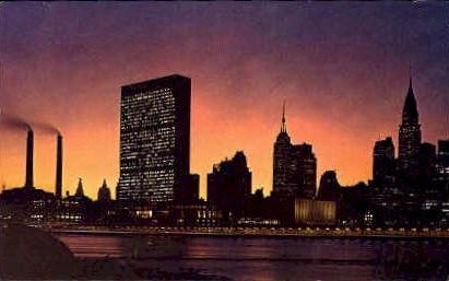 Twilight View Manhattan Skyline - Misc, New York NY Postcard