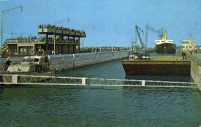 Billion Dollar St. Lawrence River - Misc, New York NY Postcard