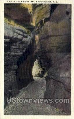 Winding Way - Howe Caverns, New York NY Postcard