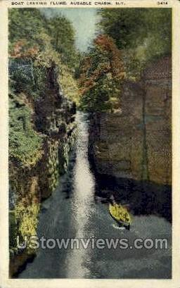 Boat Leaving Flume - Ausable Chasm, New York NY Postcard