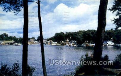Upper James Street - Alexandria Bay, New York NY Postcard