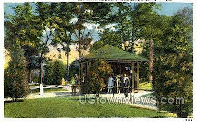 Hathorn Spring No. 3 - Saratoga Springs, New York NY Postcard