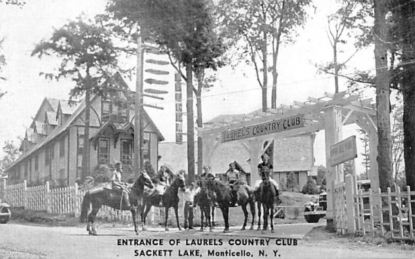 Entrance to Laurels Country Club Sackett Lake, New York Postcard