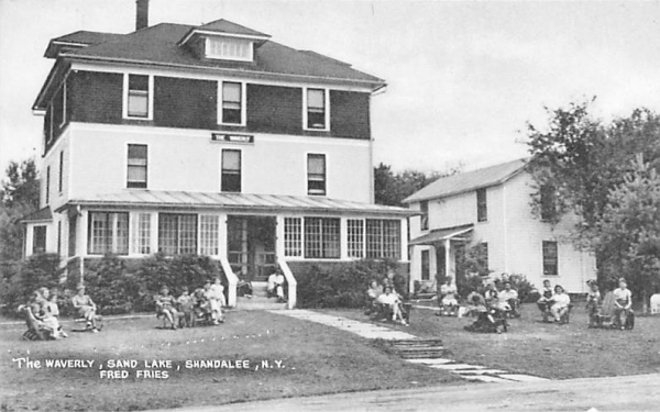 The Waverly Shandelee, New York Postcard