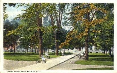 Court House Park - Hudson, New York NY Postcard