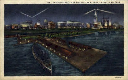 East 9th Street Pier - Cleveland, Ohio OH Postcard
