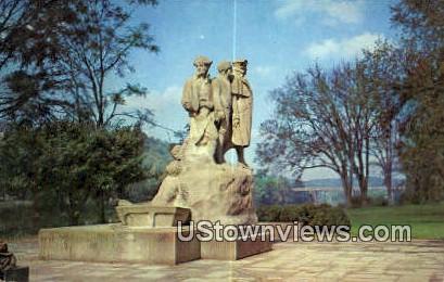 Monument to the Start Westwart - Marietta, Ohio OH Postcard