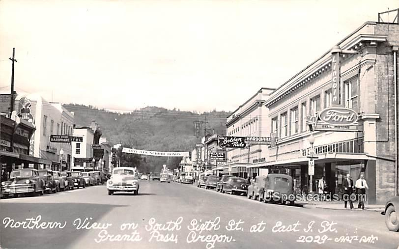 Northern View on South Sixth Street - Grants Pass, Oregon OR Postcard