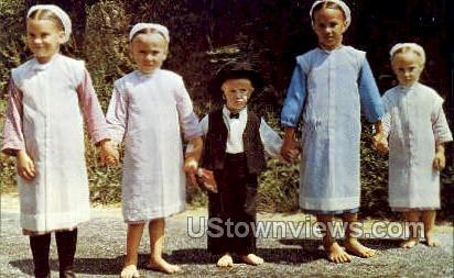 Amish Children in Sunday dress - Lancaster, Pennsylvania PA Postcard