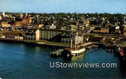 Newport Harbor Treadway Inn - Rhode Island RI Postcard