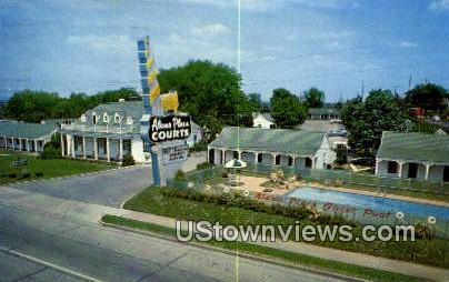 Alamo Plaza Hotel Courts - Nashville, Tennessee TN Postcard