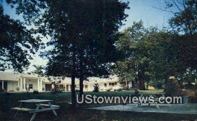 Mercury Court - Nashville, Tennessee TN Postcard