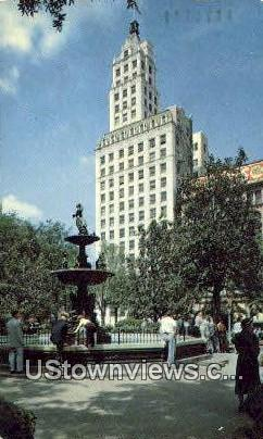 Court Square, Columbia Mutual Tower - Memphis, Tennessee TN Postcard