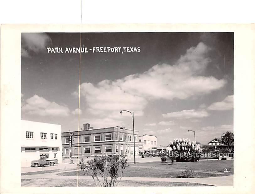 Park Avenue - Freeport, Texas TX Postcard