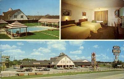 Hill Country Inn And Restaurant - New Braunsfels, Texas TX Postcard