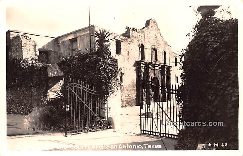 Alamo and Courtyard - San Antonio, Texas TX Postcard