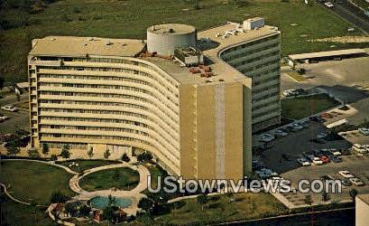 Wedgwood Hi Rise Apartments - San Antonio, Texas TX Postcard