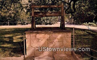Original Well, Alamo Courtyard - San Antonio, Texas TX Postcard