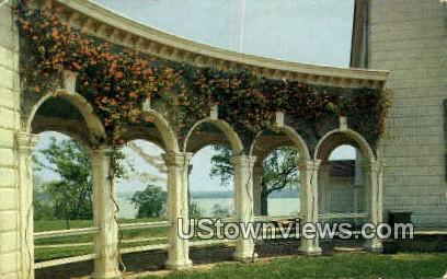 Mansion Honey Suckle - Mount Vernon, Virginia VA Postcard