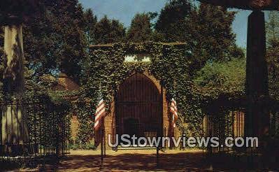 Washington's Tomb  - Mount Vernon, Virginia VA Postcard