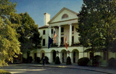 Williamsburg Inn - Virginia VA Postcard