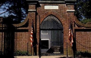 Tomb of George & Martha Washington - Mt Vernon, Virginia VA Postcard