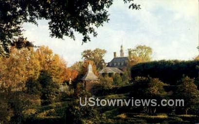 Holly Maze  - Williamsburg, Virginia VA Postcard