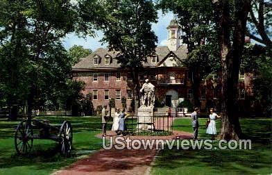 The Wren Building College - Williamsburg, Virginia VA Postcard
