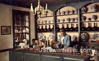 The Apothecary Shop  - Williamsburg, Virginia VA Postcard