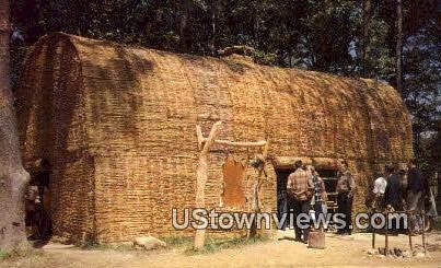 Powhatans Lodge  - Jamestown, Virginia VA Postcard