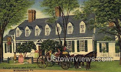 Raleigh Tavern And Colonial Coach  - Williamsburg, Virginia VA Postcard