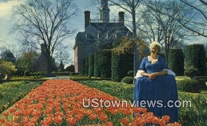 Governors Palace Gardens  - Williamsburg, Virginia VA Postcard
