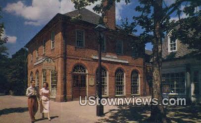 Howard Johnson Restaurant - Williamsburg, Virginia VA Postcard