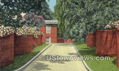 Serpentine Wall University Of Virginia  - Charlottesville Postcard