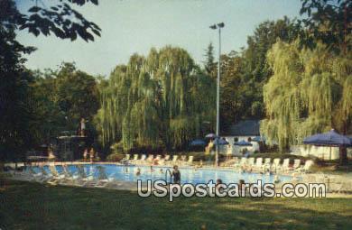 Williamsburg Inn Swimming Pool - Virginia VA Postcard