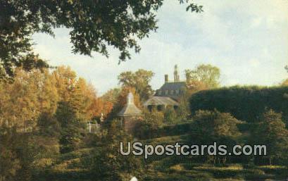 Holly Maze - Williamsburg, Virginia VA Postcard