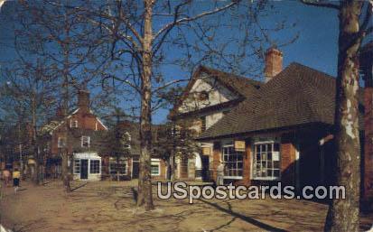 Duke of Gloucester Street - Williamsburg, Virginia VA Postcard