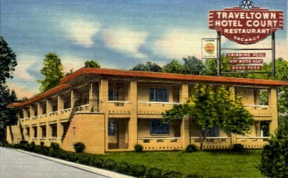 Traveltown Hotel Court - Roanoke, Virginia VA Postcard