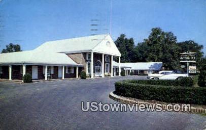 Lord Paget Motor Inn - Williamsburg, Virginia VA Postcard