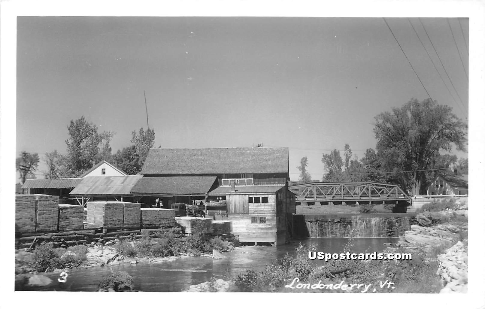 Bridge - Londonderry, Vermont VT Postcard