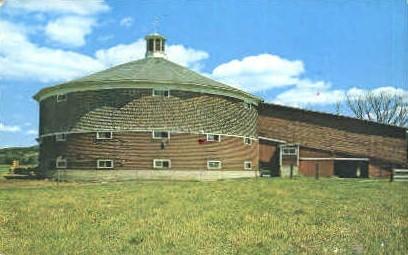 Round barn - Newbury, Vermont VT Postcard