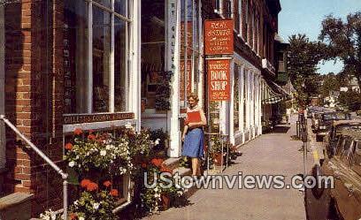 Yankee Bookshop - Woodstock, Vermont VT Postcard