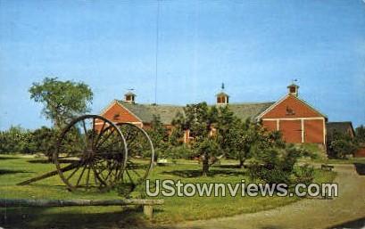 Horseshoe Barn, Shelburne Museum - Vermont VT Postcard