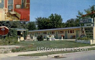 Breezy Motel & Cozy Cabins - Burlington, Vermont VT Postcard