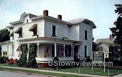 Little's Lodge & Gift Shop - Rutland, Vermont VT Postcard
