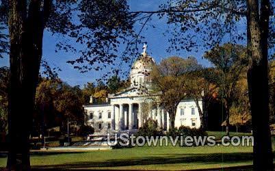Capitol Bldg - Montpelier, Vermont VT Postcard