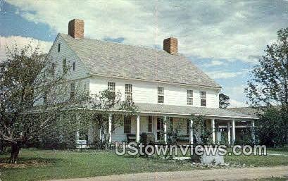 Stagecoach Inn, Shelburne Museum - Vermont VT Postcard