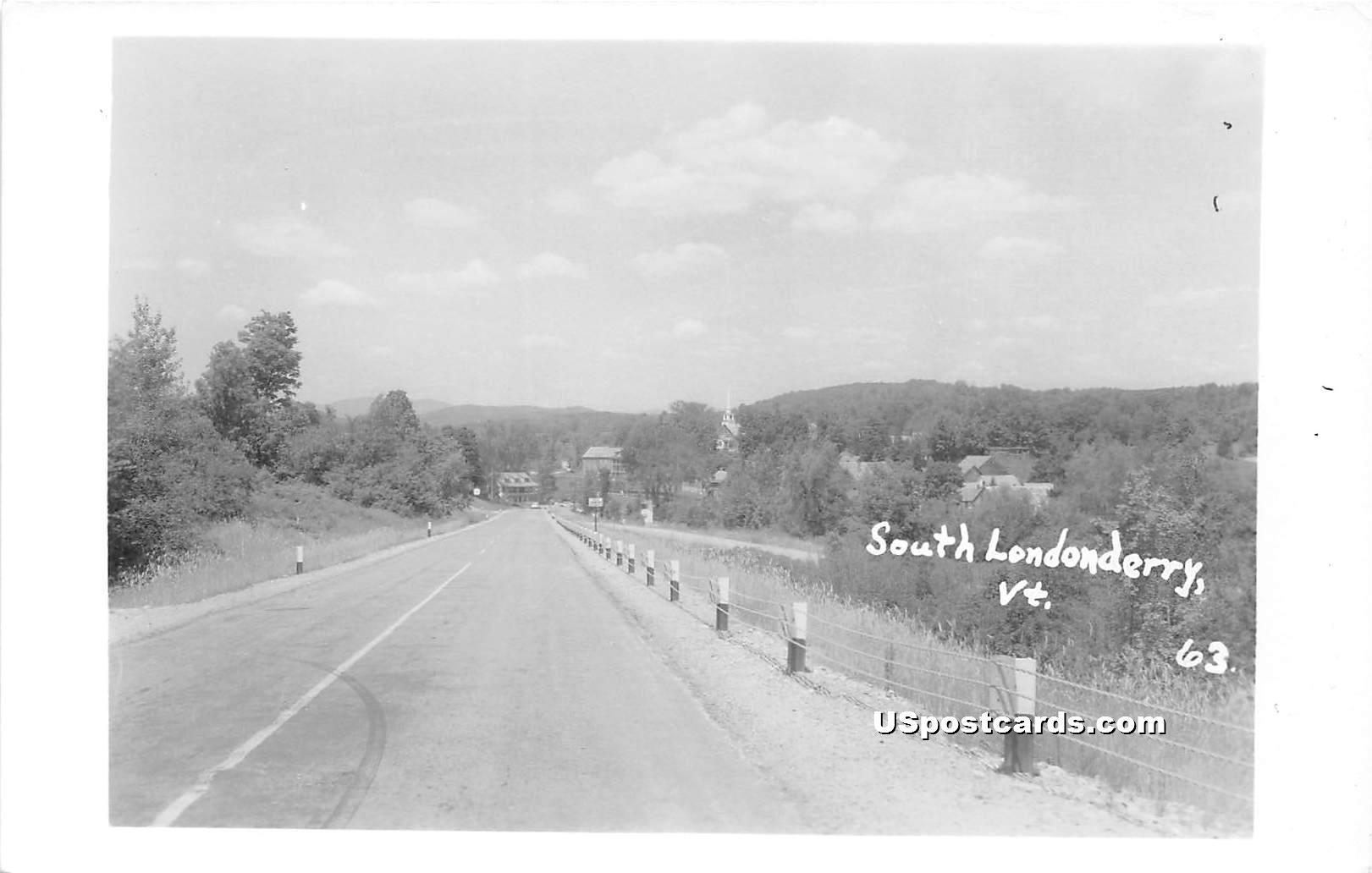 Street Scene - South Londonderry, Vermont VT Postcard