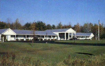 yankee Doodle Motel - Shelburne, Vermont VT Postcard
