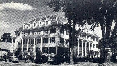 Wallingford Inn - Vermont VT Postcard